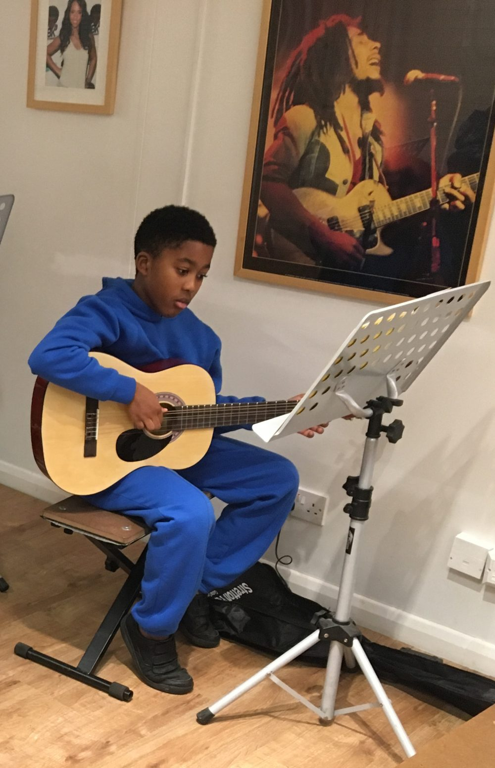 Lewisham Guitar Lessons 0208-185-7368